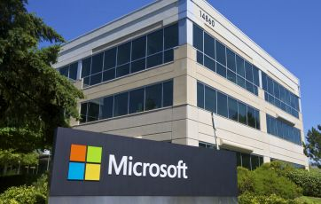 Microsoft removes ratings and encourages collaboration