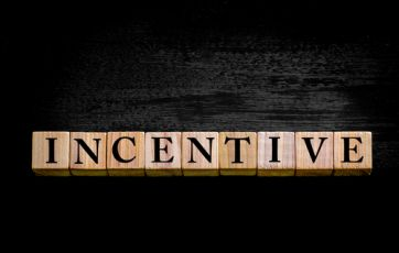 Traditional sales incentive plans are becoming less effective at driving sales outcomes | Harvard Business Review