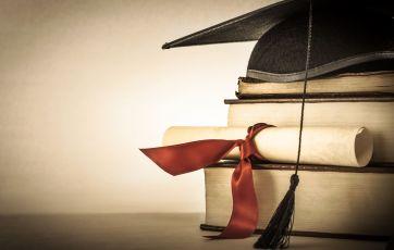 University bosses face curbs under fair-pay rules | BBC News